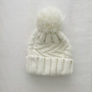 TopShop ivory cable knit pom Women's beanie hat